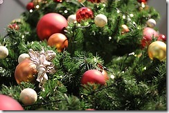christmas tree ornament by zaimoku_woodpile on flickr