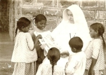 mary-glowrey-and-pupils-gunter-india